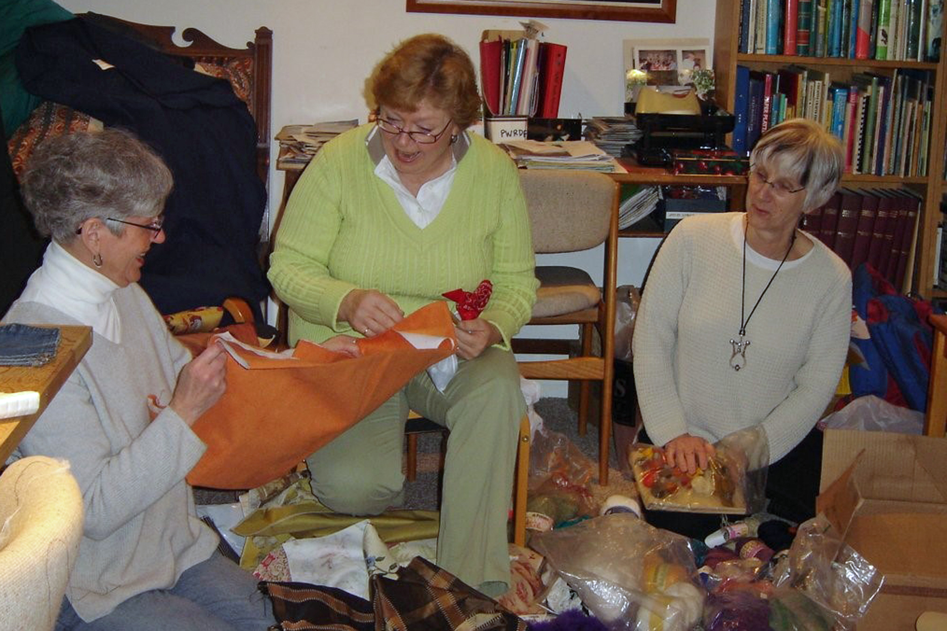 2008 FABRIC and YARN SALE VOLUNTEERS